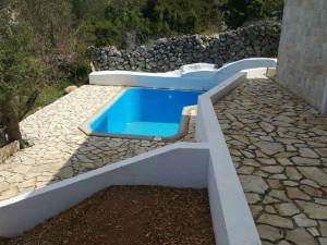 NOVALJA- JAKIŠNICA-Prekrasna kamena villa sa bazenom i otvorenim pogledom na more (LOKACIJA)!!!