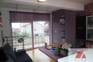 Stanovi, troetažan stan sa vlastitim ulazom i velikom terasom