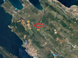 ŽERAVA-GRAĐEVINSKO ZEMLJIŠTE  1694 M2