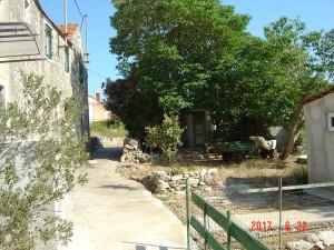 Sali-stara kamena kuća