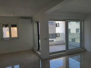 Žmirići, dvosoban stan, 1 kat, novogradnja