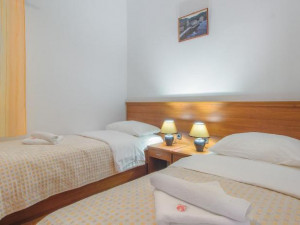 TISNO- MALI OBITELJSKI HOTEL 1.RED DO MORA !!!(LOKACIJA)