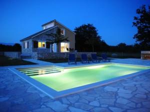 Poljica, vila s bazenom