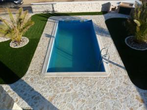 PRIVLAKA-Kamena villa sa bazenom i prekrasnom okućnicom !!!