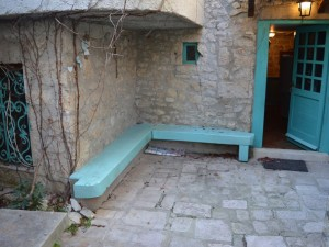 Zadar-Diklo-tradicionalna dalmatinska kamena kuća u niz