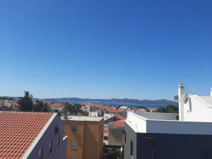Žmirići, penthause s pogledom na more i grad