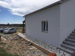 RAŽANAC (ŠKULIĆI)-PRIZEMNICA OD110 M2 SA VELIKOM OKUĆNICOM !!!