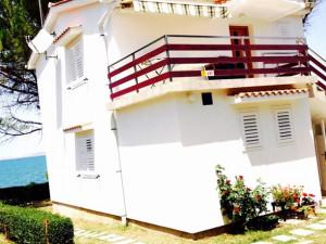 Vrsi (Zukve)- Lijepa kuća na odličnoj lokaciji !!!